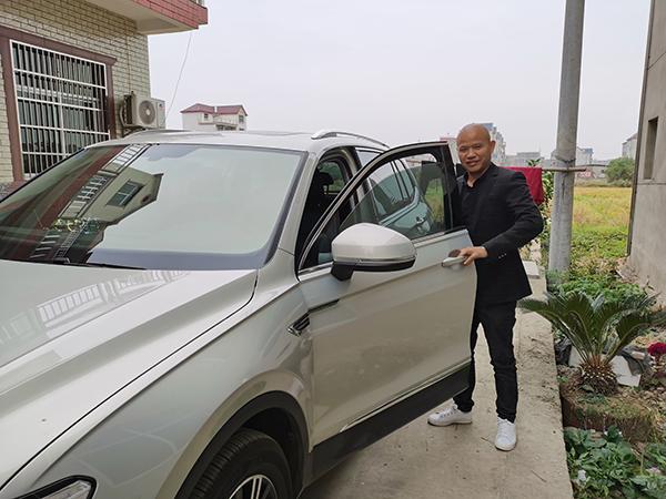 程立和去年考了驾照,买了新车。澎湃新闻记者 朱远祥 图