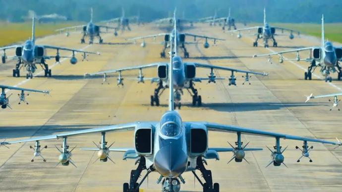 多图|霸气!海军航空兵超豪华阵容高调亮相