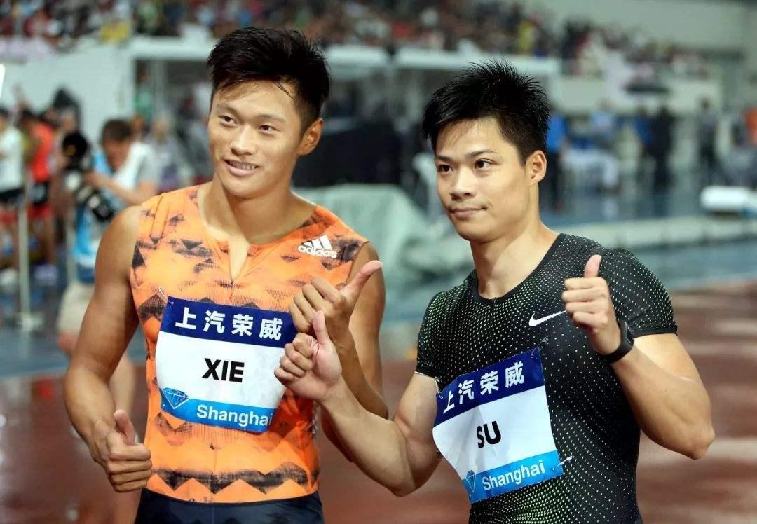 谢震业(左)和苏炳添此前都受困于体能测试。