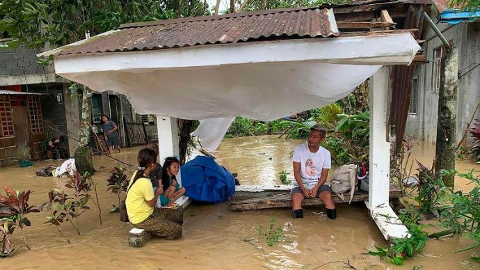 """第18号台风""""莫拉菲""""登陆菲律宾,已致16死22伤"""