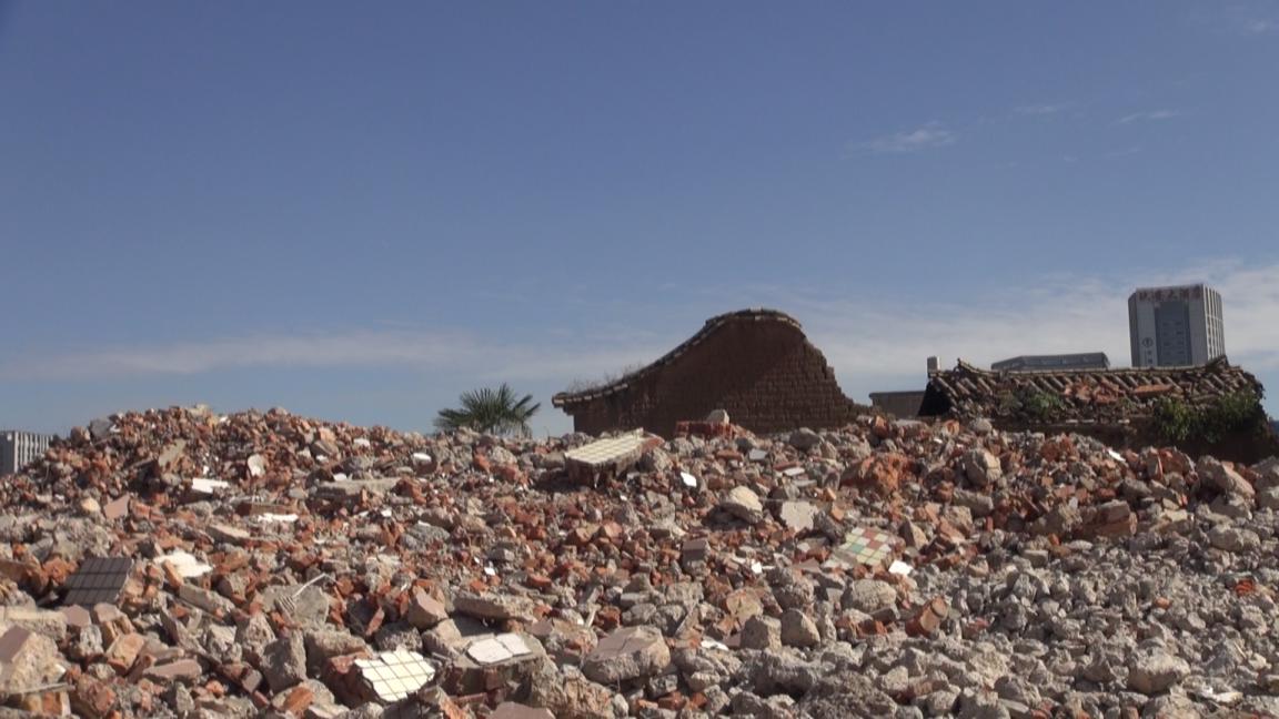 宏仁村里有大片废墟罗菲视频截图