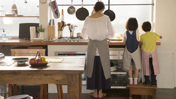 """家庭婦女抑或全職太太,都是""""不被看見""""的失語女性"""