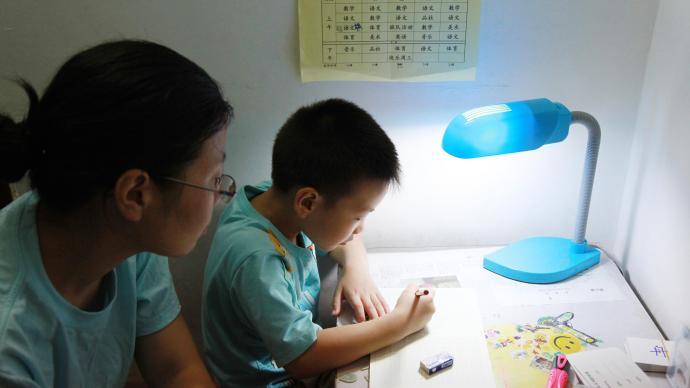 華中科技大學 從家長卷入家庭作業看城鄉教育差異