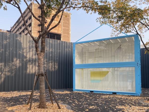 """上海玻璃专物馆""""重置""""铺览现场 后侧为毕蓉蓉做品"""
