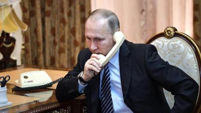 普京分別與亞美尼亞、阿塞拜疆領導人電話討論納卡停火事宜