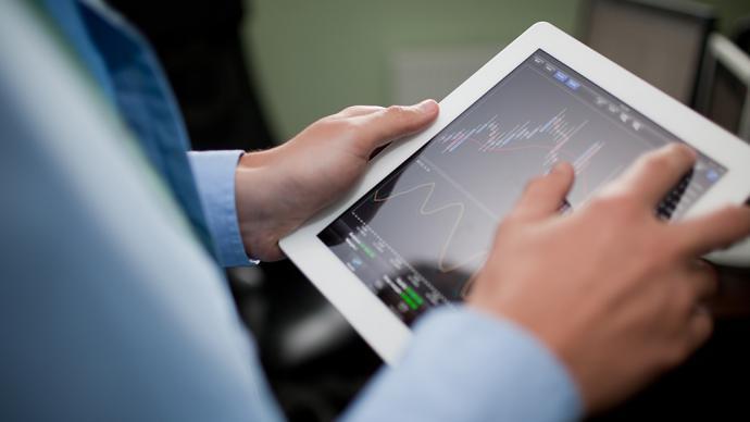 巴菲特三季度持倉披露:新進醫藥股,減持蘋果和銀行股
