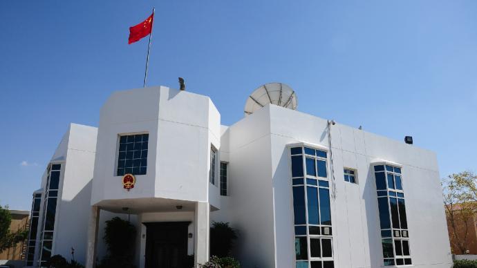 2人偽造新冠檢測報告,中國駐迪拜總領館:嚴肅追究法律責任