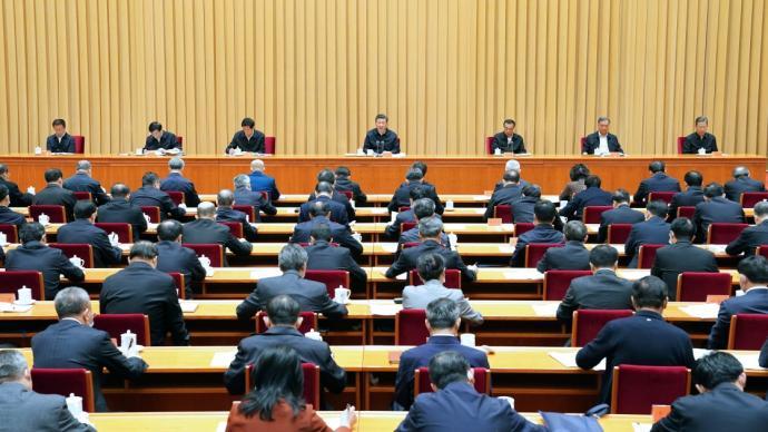 習近平:堅定不移走中國特色社會主義法治道路