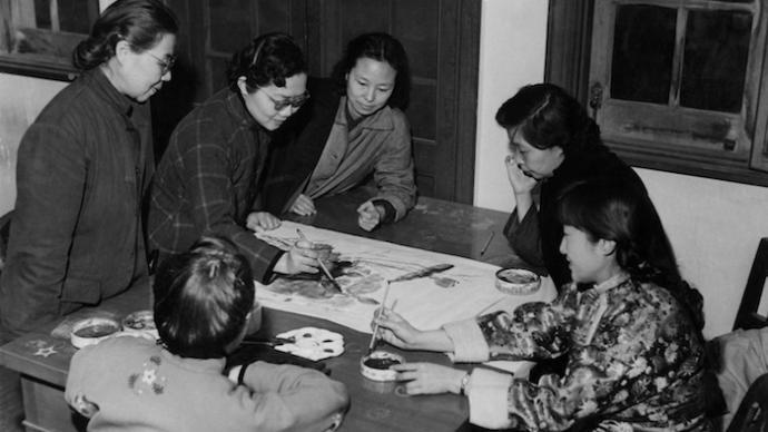 讀陸小曼、周鍊霞等筆下丹青,上海中國畫院展女畫師作品
