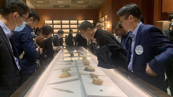 361件美國返還文物移交南京博物院,多為中國古代隨葬器物