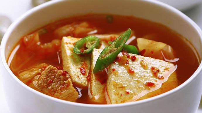 下厨房| 一碗鲜热的豆腐汤,洗去初冬时节的寒意