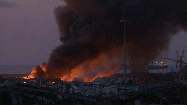 8.5 黎巴嫩中国留学生:晚饭当口爆炸袭来,邻居冲出门嘱咐别